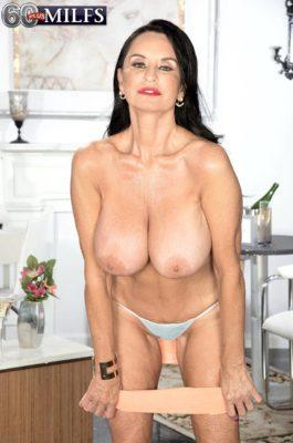 Cum along with Rita Daniels
