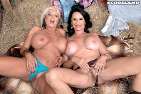 Sally D'Angelo Tits & Tugs
